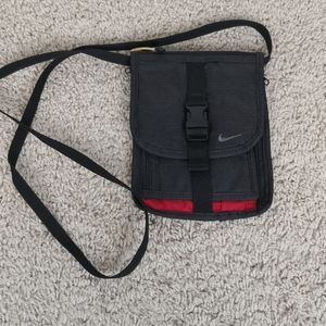 Nike Crossbody Bag black small lightweight wallet